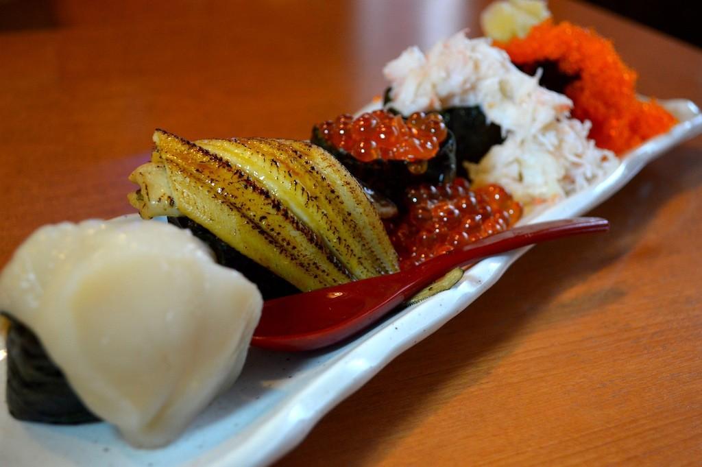 軍艦こぼれ寿司
